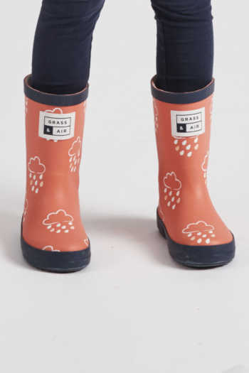 infant-coral-colour-revealing-wellies-front