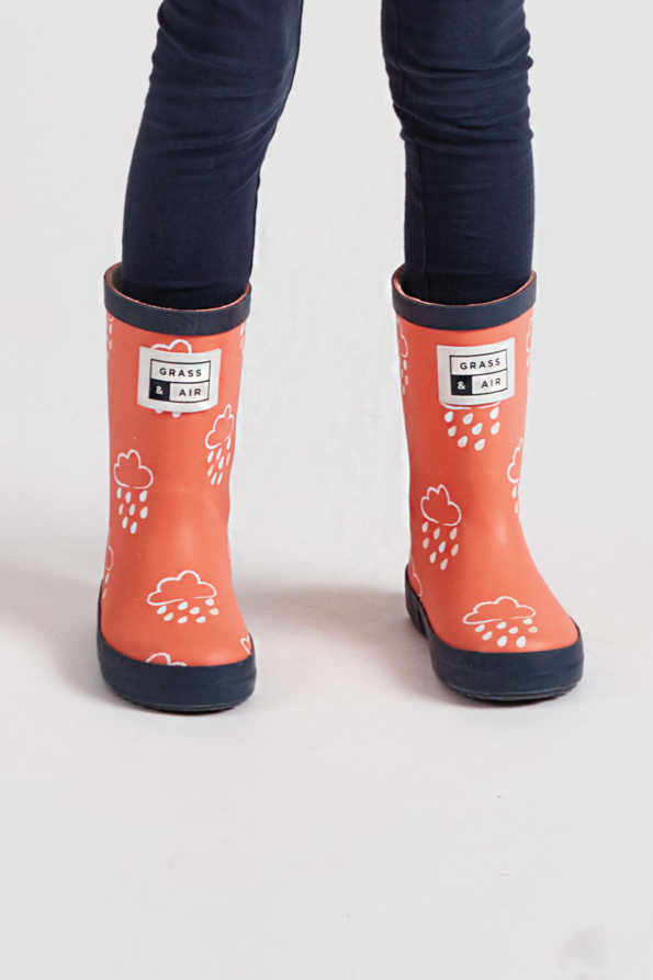 infant colour-revealing coral wellies front product view