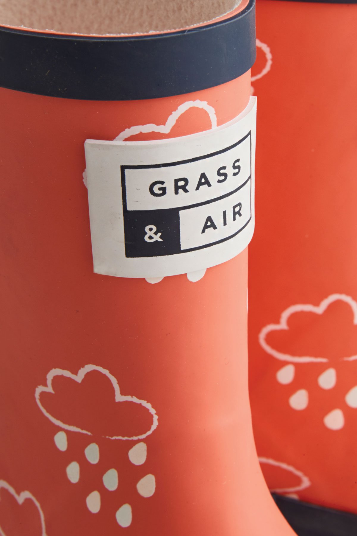 kids coral colour-revealing wellies grass and air logo detail