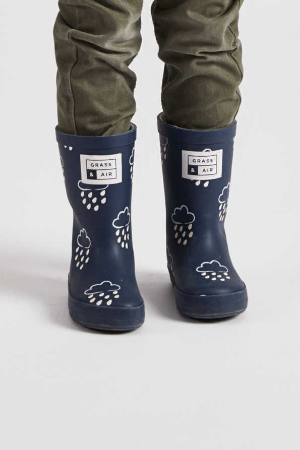 infant navy colour-revealing wellies front view