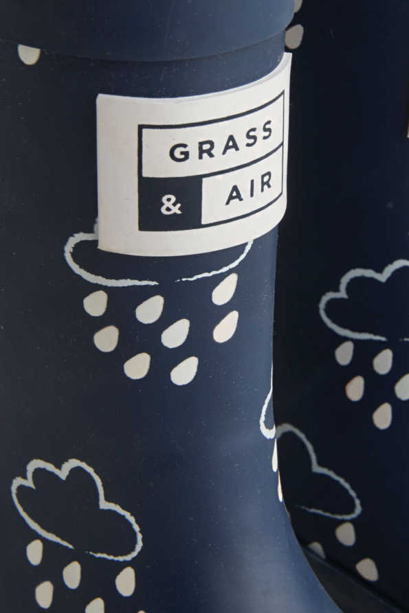 kids navy colour-revealing wellies grass and air logo detail