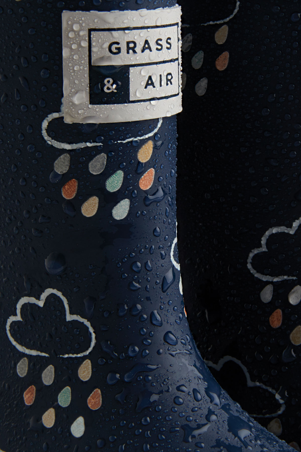 infant navy colour-changing wellies when wet
