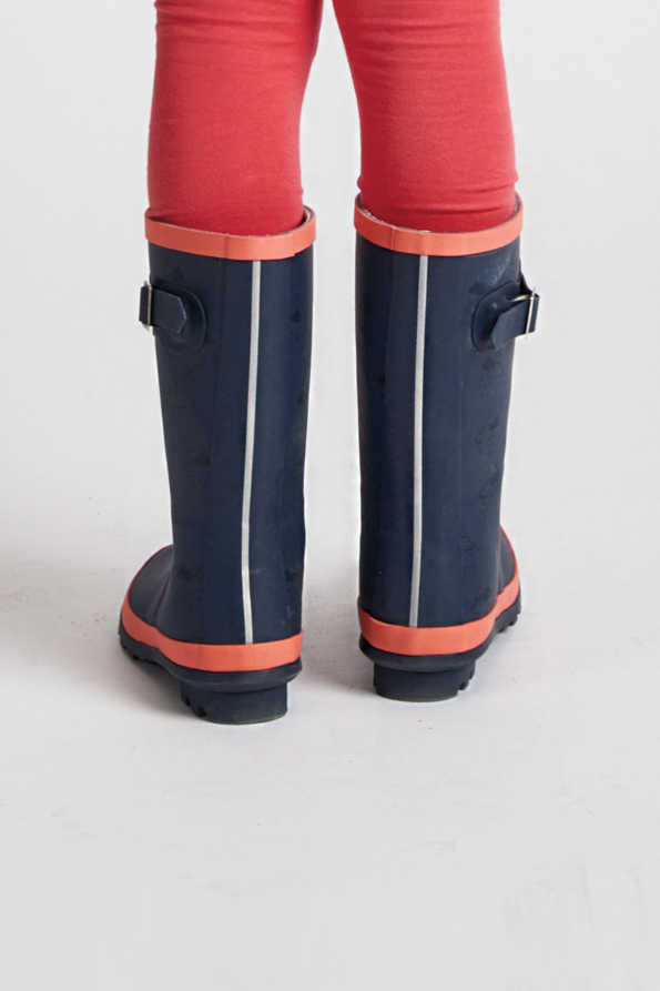 older kids navy & coral wellies rear view