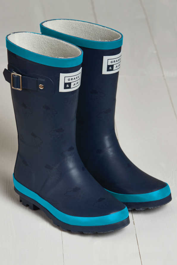 product shot of navy & turquoise junior wellies