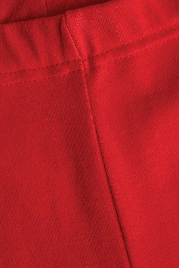 kids red leggings seam and waistband detail