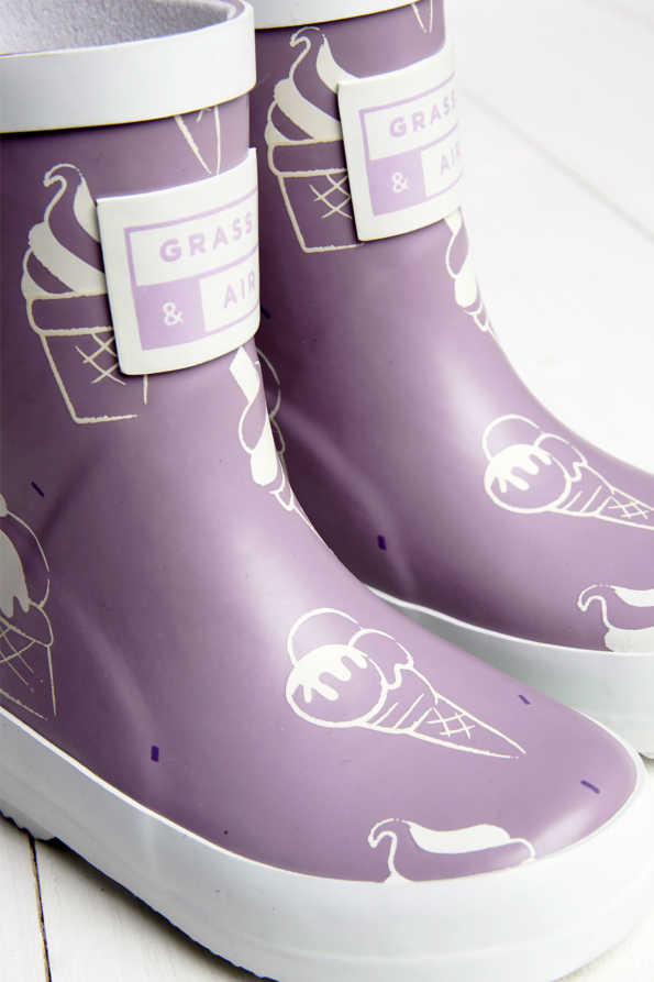 violet wellies
