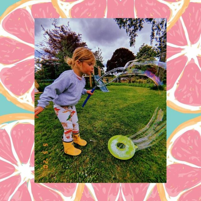 #repost @_mama.of.pearl_  Outdoor fun with our yellow colour changing wellies! ☀️ As kids splash water, watch the magical raindrop pattern transform from white to multicoloured before their eyes 😍 . . . .
