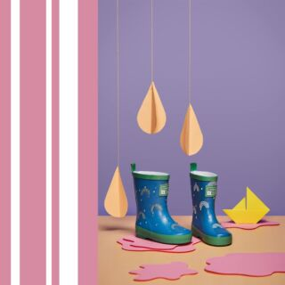 Join the Grass & Air family and sign up to our mailing list on our website. We will be sending out an exclusive discount today to those signed up. 🎊 💙This powdery blue welly is a delight and one of our favourite new shades (shhh don't tell the others) Inspired by the contrasting mood of Marimekko's iconic cars print, we love how the green trim gives this sweet shade an unexpected edge.💙 #kidswellies #collectionlaunch #kidsfashion #childrensfashion
