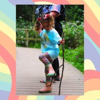 The joy of rainbows brings a twist to our classic pink wellies. 🌈 With a playful contrasting trim and a brand new colour changing rainbow print, these wellies are made for pounding pavements and kicking puddles all summer long. ☀ Available in infant sizes UK3-UK13, our pink rainbow wellies are perfect for kids and toddlers. Shop at grassandair.com #kidswellies #childrenswear #kidswear #familyoutdoors #outdooradventure